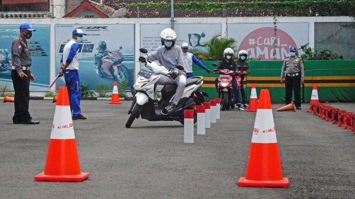 Astra Motor Yogyakarta Beri Pembekalan pada Calon Pemilik SIM C Baru