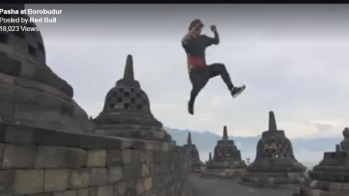 Prihatin Iklan Red Bull, Ratusan Seniman Gelar Doa Bersama di Borobudur
