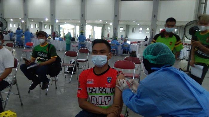 Atlet Puslatda PON DI Yogyakarta Laksanakan Vaksinasi Tahap Pertama
