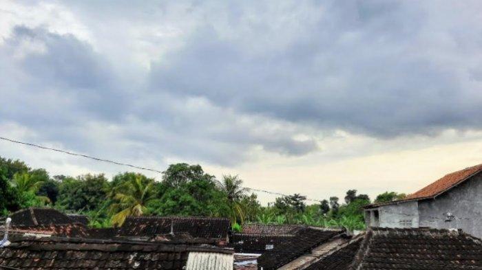 Cuaca Ekstrem Efek Siklon Seroja, BPBD dan SAR Gunungkidul Lakukan Antisipasi