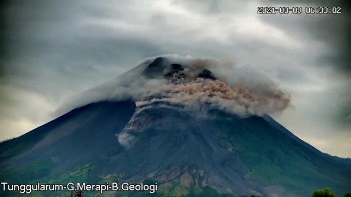 Hingga Selasa Pagi, Gunung Merapi Muntahkan 16 Kali GuguranLava Pijar, Jarak Luncur Maksimum 1,2 Km
