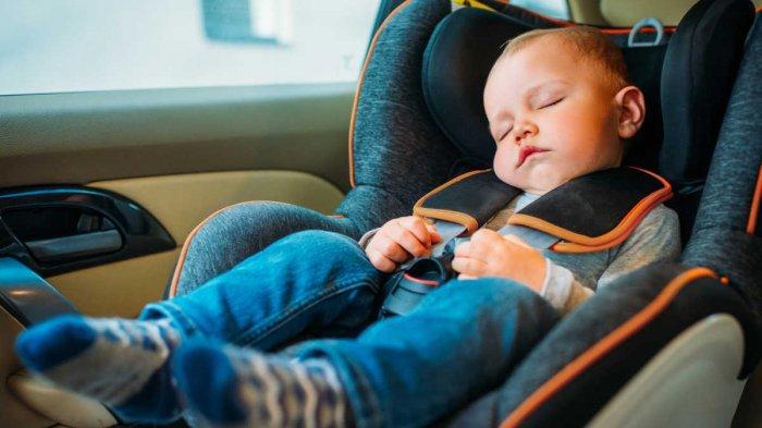Bahaya, Hindari Memangku Anak Di Kursi Depan Mobil, Bisa Celaka Saat Ngerem Mendadak