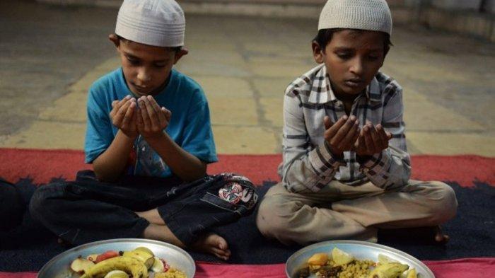 Jadwal Buka Puasa Hari Ini Minggu 26 April 2020 Lengkap Doa Buka Puasa, Niat Sholat Tarawih & Witir