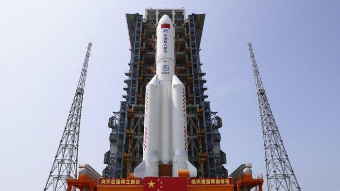 Bagian Roket Long March 5B China Jatuh ke Bumi Pekan Ini, Meluncur Tak Terkendali