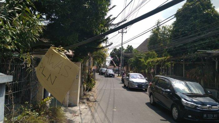 Bahayakan Pengguna Jalan, Kabel Besar Menjuntai di Condongcatur