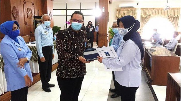 Bank BPD DIY Cabang Sleman Mengaktifkan BPD DIY Mobile Bagi PNS Purna Tugas