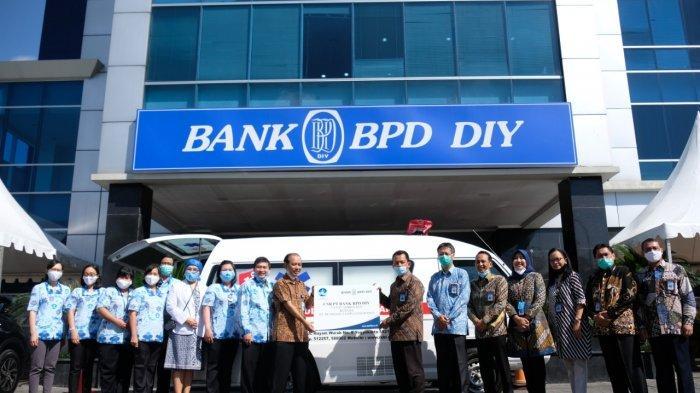 Peduli Kesehatan Masyarakat, Bank BPD DIY Serahkan Ambulans ke  RS Bethesda Lempuyangwangi
