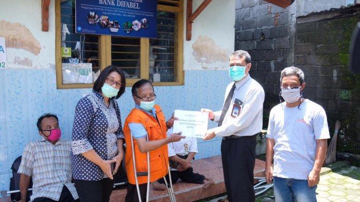 Bank BPD DIY Bantu Kelompok Difabel untuk Memproduksi APD Demi Cegah Corona