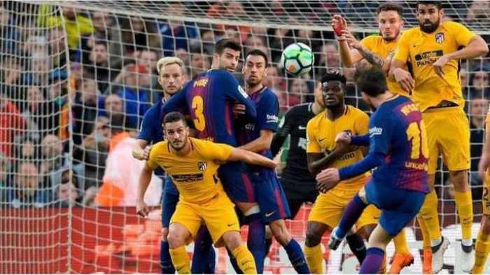 Tendangan bebas Messi yang berbuah kemenangan 1-0 bagi Barcelona atas Atletico Madrid, Minggu (4/3/2018)
