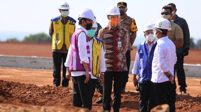 Ganjar Pranowo Dampingi Presiden Jokowi saat Kunjungan ke Batang