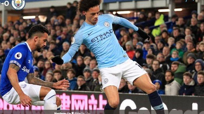 Pemain Manchester City, Leroy Sane, dalam laga Liga Inggris kontra Everton di Goodison Park, Rabu (6/2/2019)