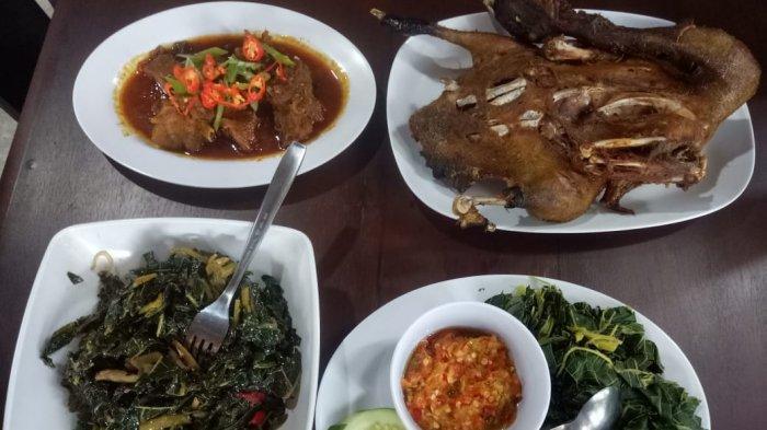 Menyantap Kuliner Bebek Keplak di Bantul, Empuk dan Kaya Cita Rasa Bumbu Desa Non-MSG