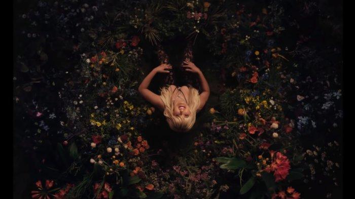 Lirik Lagu Bebe Rexha Die For A Man', Lengkap dengan Terjemahan Lirik Bahasa Indonesia