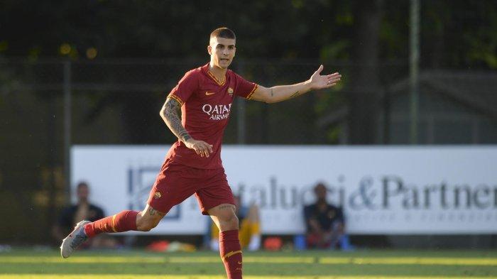 RUMOR TRANSFER: Chelsea dan Manchester United Bersaing Dapatkan Bek AS Roma