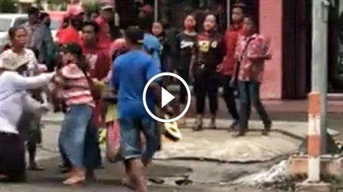 Belasan Pengamen dan Gelandangan di Mojokerto Terlibat Perkelahian di Pinggir Jalan, Ini Pemicunya