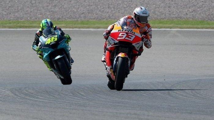 Berita Moto GP Hari Ini: Rossi & Marquez Start 10 Besar, LIVE MotoGP Inggris di TV Trans7 Fox Sports