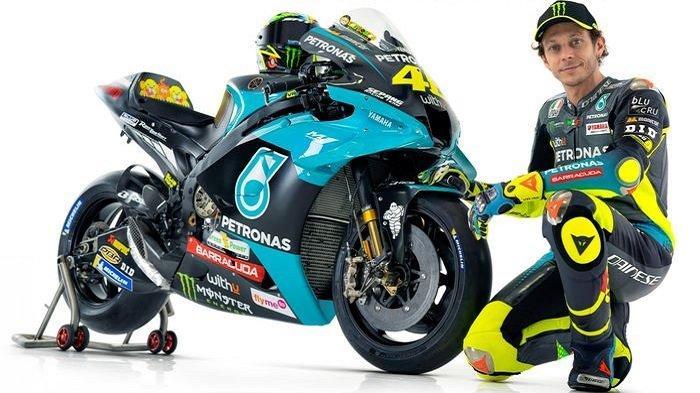 MOTOGP 2021 - Pembalap Petronas Yamaha SRT, Valentino Rossi, berpose di sebelah motornya untuk MotoGP 2021, Senin (1/3/2021).