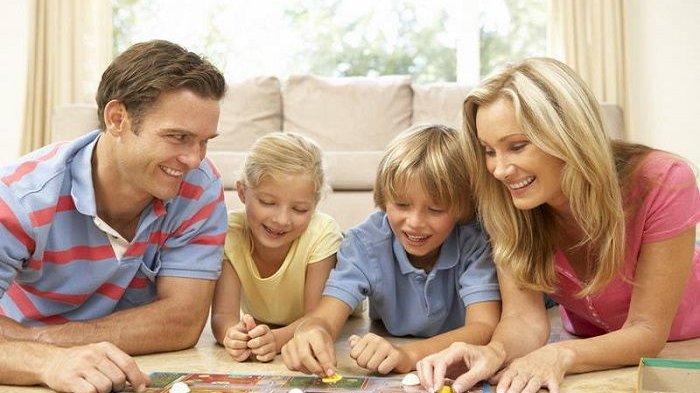 Ilustrasi Keluarga Bermain Game