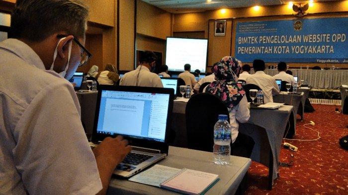 Sekda Pemkot Yogyakarta Buka Bimtek Pengelolaan Website OPD