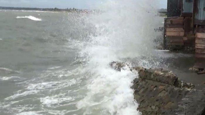 BMKG Keluarkan Peringatan Dini Gelombang Tinggi, Ombak di Selat Sunda Bisa Mencapai 6 Meter