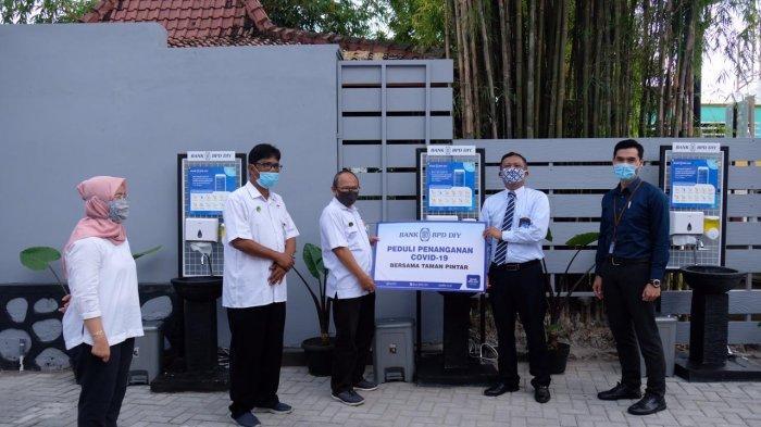 BPD DIY Serahkan Bantuan Sarana Cuci Tangan untuk Taman Pintar