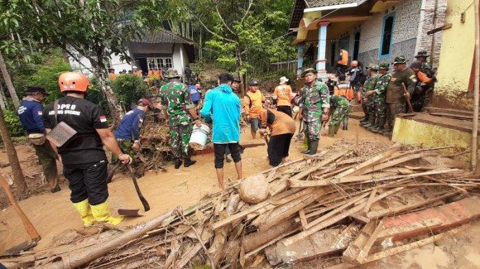 BREAKING NEWS : Banjir Bandang Landa Dua Dusun di Kabupaten Magelang