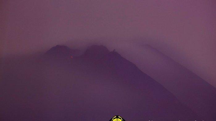 Titik api diam terpantau di puncak Gunung Merapi