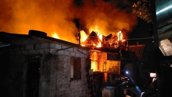 Tim Pemadam Berhasil Padamkan Kobaran Api yang Hanguskan Rumah Warga Krapyak Kulon