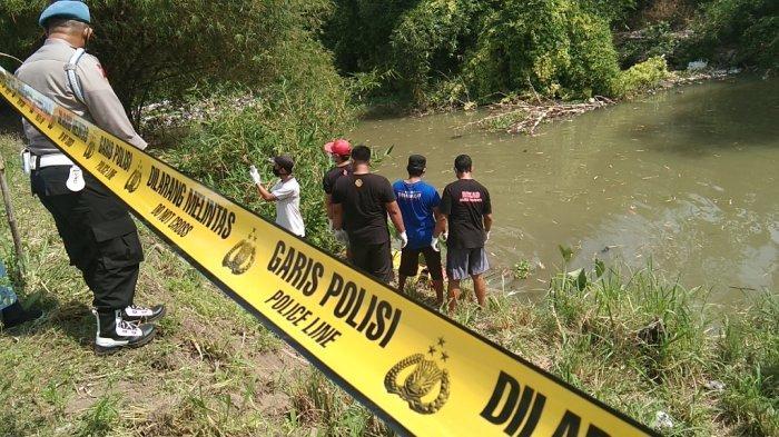 BREAKING NEWS : Sesosok Jasad Pemuda Ditemukan Mengapung di Sungai Bloro Bakungan Klaten