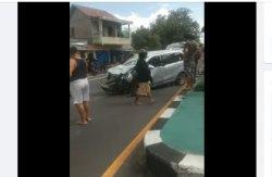 BREAKING NEWS : Tiga Kendaraan Terlibat Kecalakaan di Jalan Raya Yogyakarta-Solo