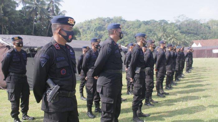 Brimob Polda Jateng Bersiaga di Posko Tanggap Bencana Magelang, Antisipasi Erupsi Gunung Merapi