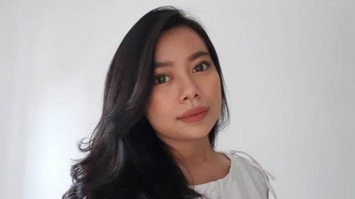 BUAH BIBIR - Denisa Aulia Fahira Pelajari Empat Bahasa Asing