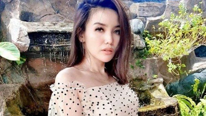 BUAH BIBIR : Ratih Puspita Keluarkan Singel 'Ra Iso Garing'