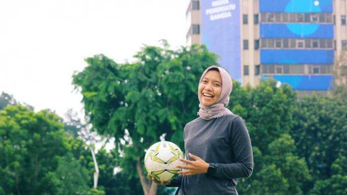 BUAH BIBIR : Vera Lestari Tetap Latihan Intensif Meski Kompetisi Sepakbola Tak Kunjung Digelar