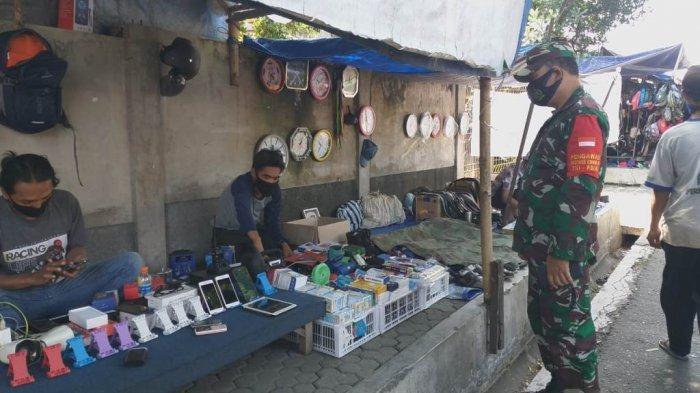 Buka Saat Penerapan PPKM Darurat, Pasar Burung Muntilan Didatangi Petugas