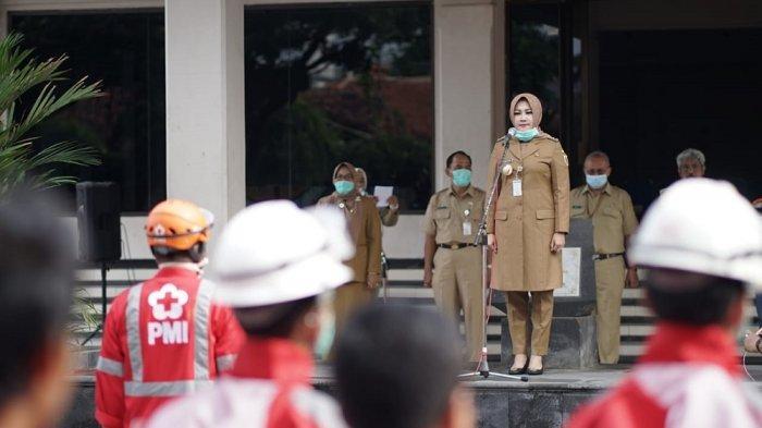 Bupati Klaten Beri Komando Penyemprotan Disinfektan Serentak Lewat Siaran Radio
