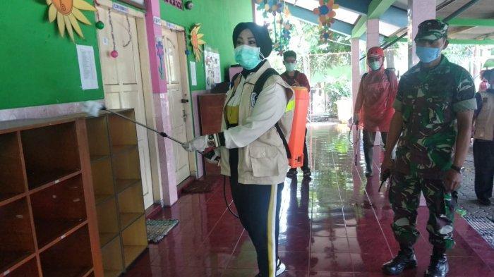 Bupati Klaten Pimpin Aksi Penyemprotan Disinfektan di 10 Pusat Keramaian untuk Cegah Virus Corona