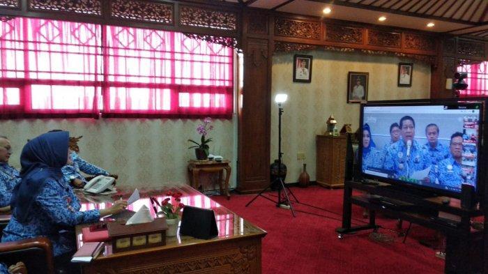 Bupati Klaten Gelar Video Conference Bersama Gubernur Jateng dalam Upaya Kendalikan Covid-19