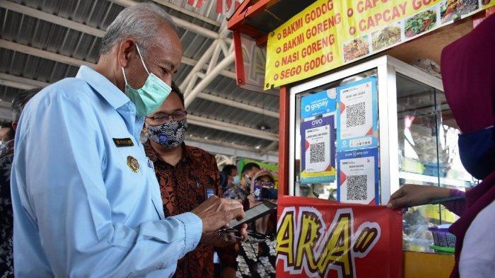 PKL Denggung Sudah Terapkan Pembayaran Nontunai