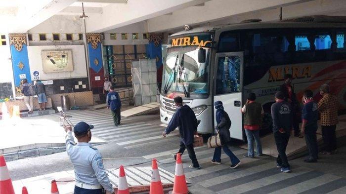 Terminal Giwangan Tunggu Juknis, Bus AKAP Diperbolehkan Angkut 70 Persen Penumpang Mulai 1 Juli 2020
