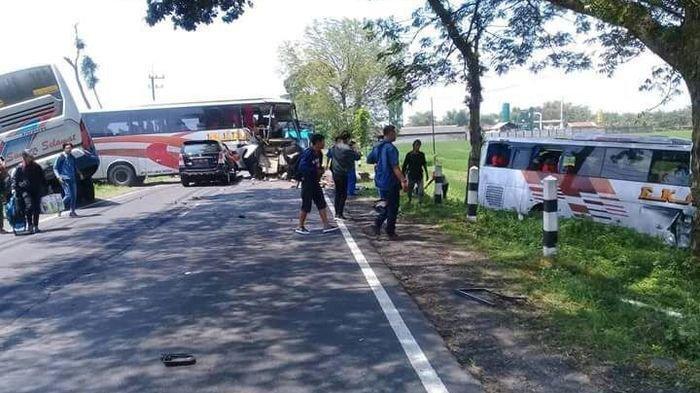 Kecelakaan Maut di Ngawi, 3 Bus Vs 1 Mobil, Begini Kondisinya