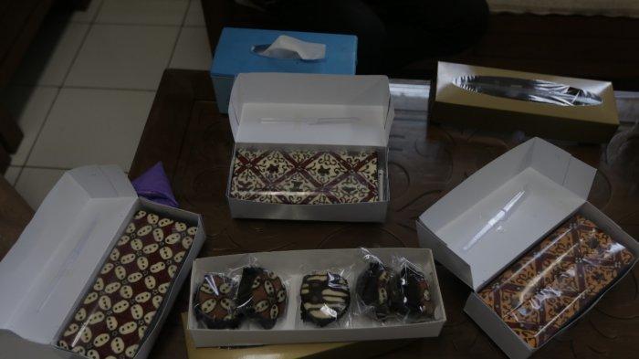 Menikmati Cake Motif Batik, Bolu Batik Baba Huang yang Lezat