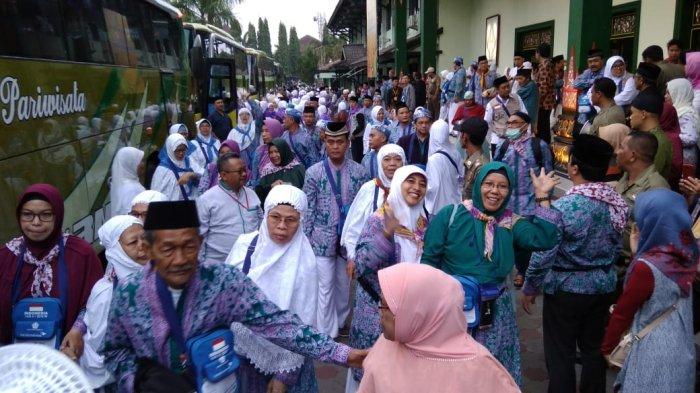 Wakil Wali Kota Yogyakarta Lepas Jemaah Haji Kloter 23 SOC