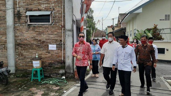 Calon Wali Kota Magelang, Aji Diantar Ayahnya, Wali Kota Magelang Mencoblos di TPS