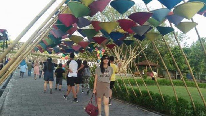 H+2 Lebaran, 72 Ribu Wisatawan Penuhi Candi Borobudur dan Candi Prambanan