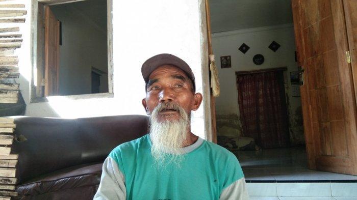 Kakek Paiman saat ditemui di rumahnya di Desa Beku, Kecamatan Karanganom, Kabupaten Klaten, Jawa Tengah, Senin (20/9/2021)