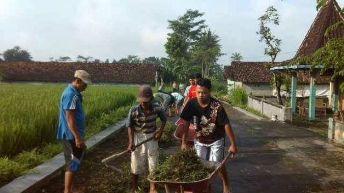 Mempertahankan Budaya Gotong Royong