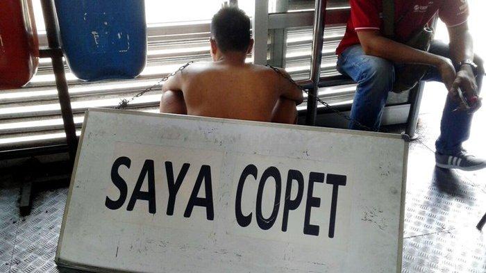 Ketika Pencopet Dipermalukan di Stasiun Kereta Api Manggarai
