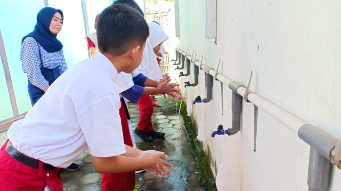 Lynn Hotel Kerja Bareng UGM Vokasi Kunjungi SD Cepit, Bantul