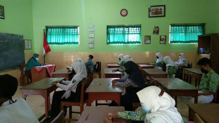 Curhat Orang Tua Siswa di Klaten Saat Anaknya Ikuti Uji Coba PTM Terbatas di Sekolah